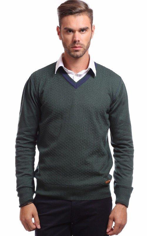 pulover cu camasa alba