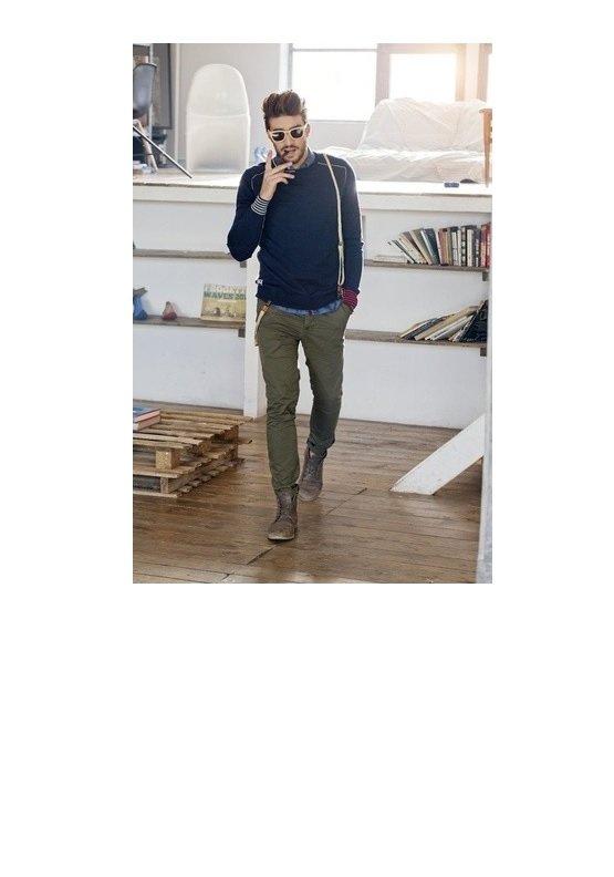 pulover bleumarin+pantaloni verzi