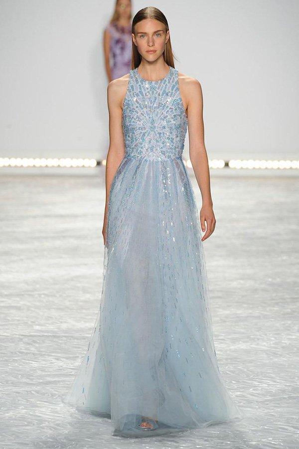 cum sa porti o rochie aquamarine