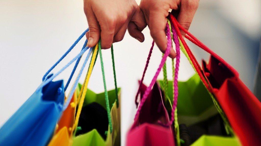 Compania nepotrivită la cumpărături