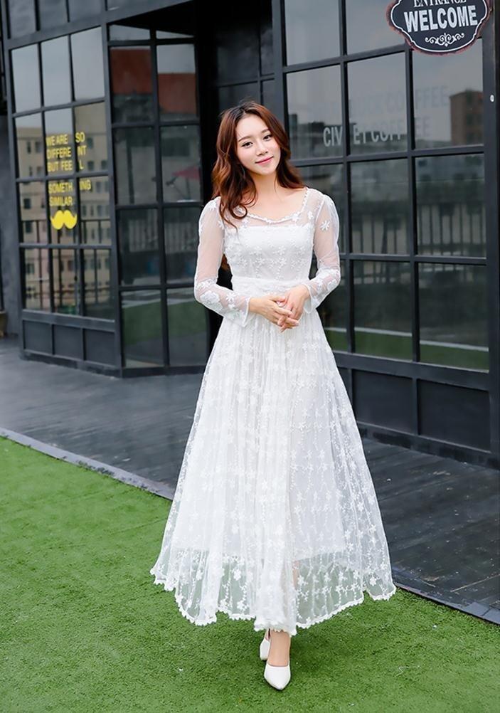 Cum să porți o rochie albă toamna