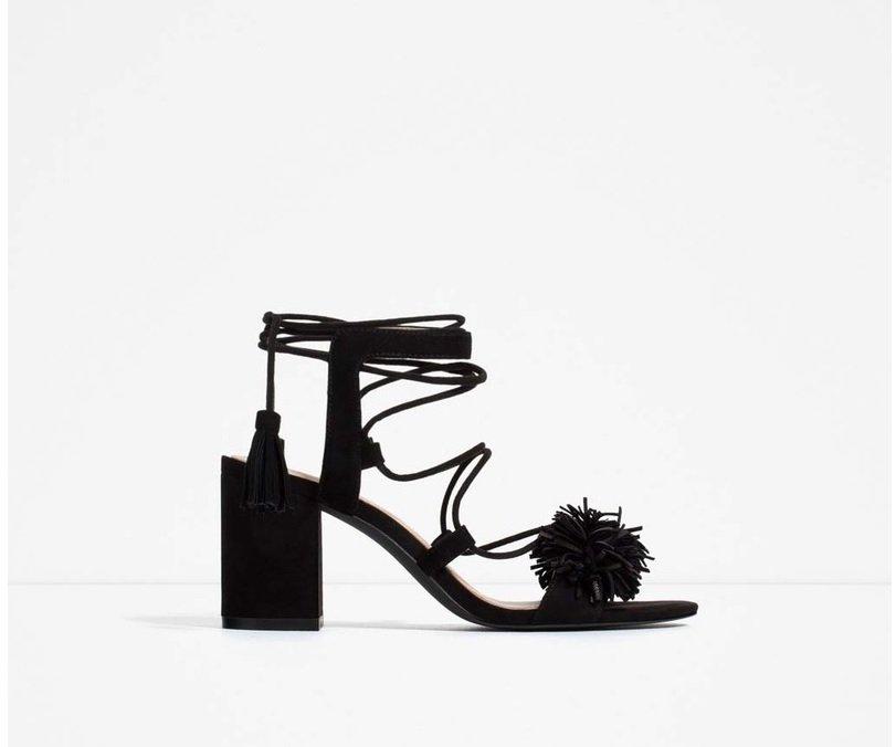 sandale  cu pompon zara