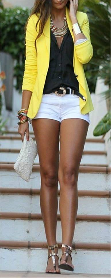 blazer galben+pantaloni scurti