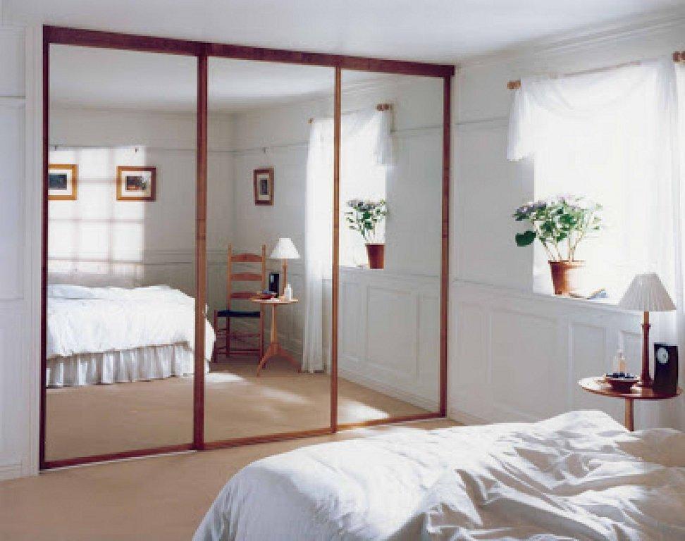 oglinzi in dormitor mic