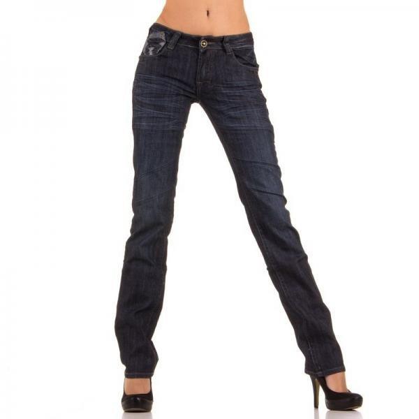 jeansi-de-culoare-albastra-drepti-cu-incretituri-1