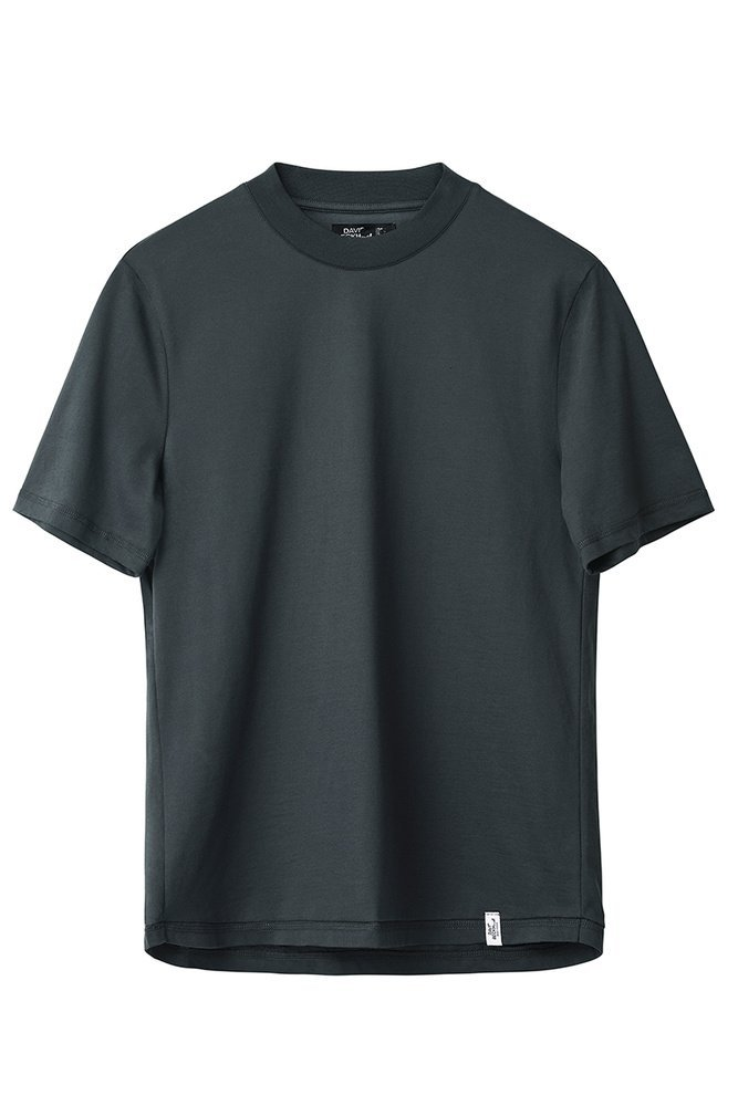 modern_essentials_david_beckham-tricou