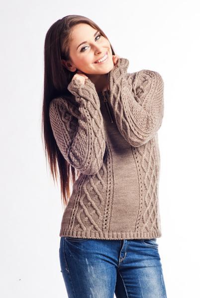 pulover-tricotat-modern-de-culoare-cafenie-1
