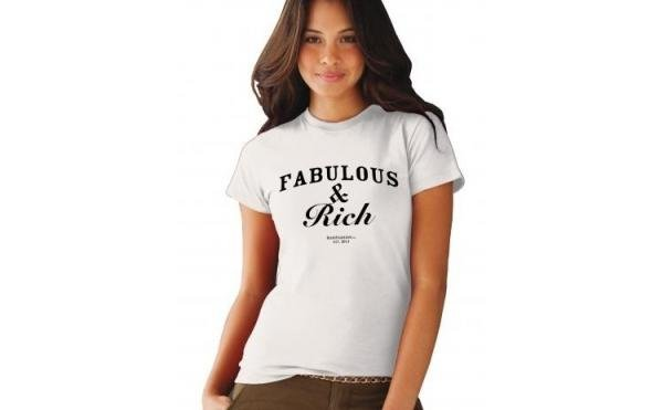 tricou-cu-mesaj-fabulous-amp-rich-alb-la-doar-75-ron-in-loc-de-150-ron-rby-trends-fashion