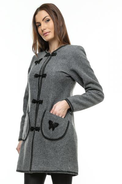 palton-sic-de-culoare-gri-cu-insertii-brodate-si-captuseala-matlasata-1