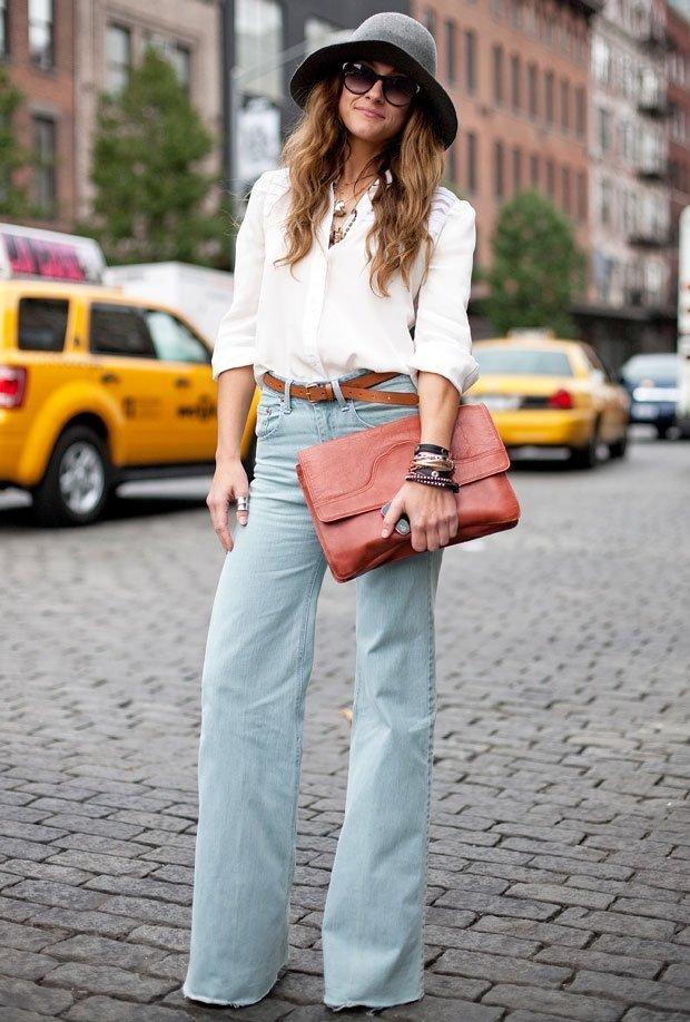 pantaloni evazati la mod-